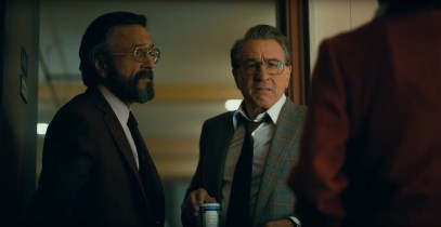 Marc Maron (Ted Marco) and Robert De Niro (Murray Franklin) star as a late night TV show producer and host in JOKER (2019)