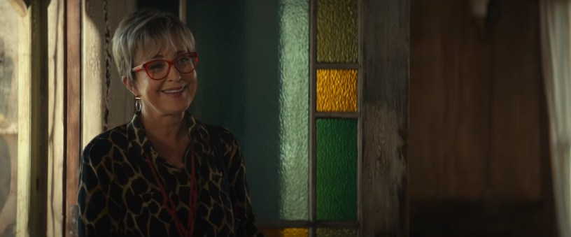 Annie Potts reprises her role as Janine in the franchise reboot GHOSTBUSTERS: AFTERLIFE (2021)