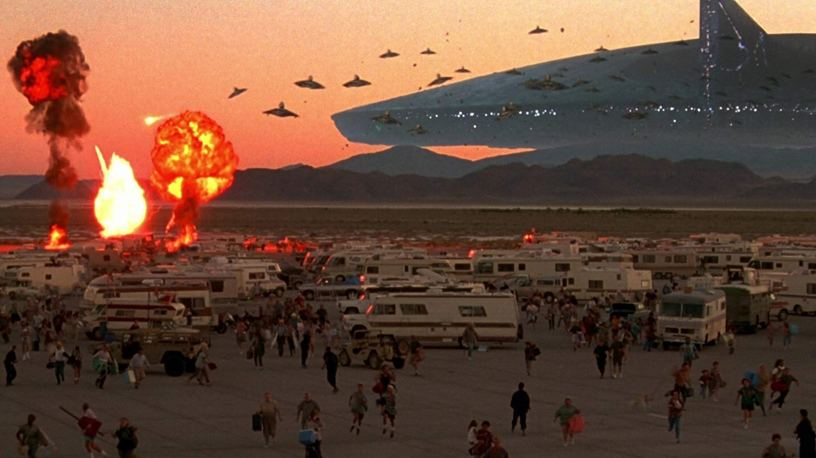 A fleet of alien aircraft attacks humans in the classic sci-fi disaster flick INDEPENDENCE DAY (1996)