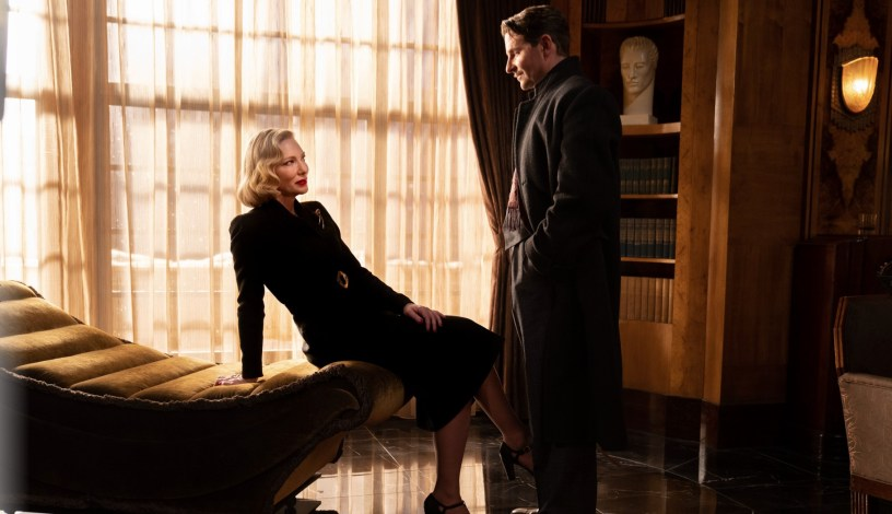 Cate Blanchett co-stars with Bradley Cooper in the new film noir NIGHTMARE ALLEY (2021), from Academy Award winning director Guillermo del Toro.