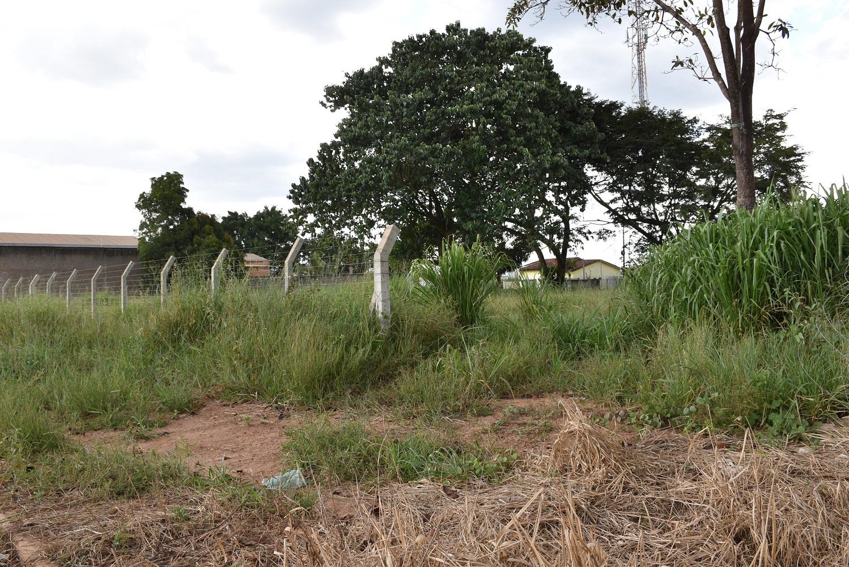 Moradores do Florais da Amazônia reclamam de terrenos sujos