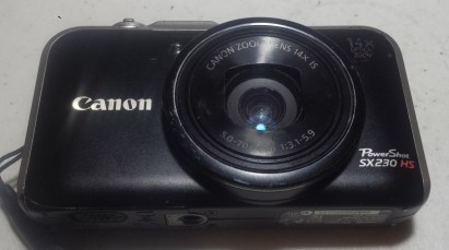 A used Canon Powershot SX 230 SH