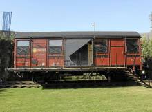 una casa en un vagón de tren reciclado