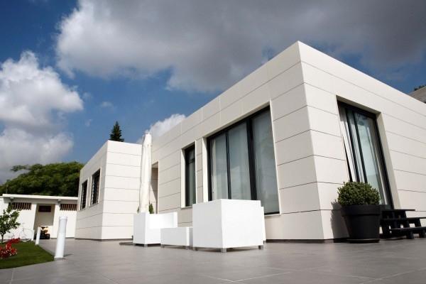 En la imagen: casa prefabricada de PVC