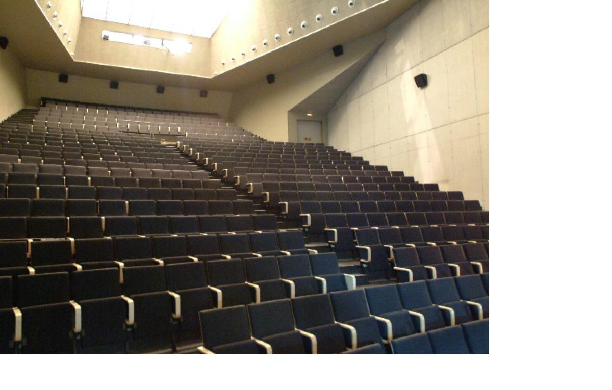 Instalacion de butacas de teatro