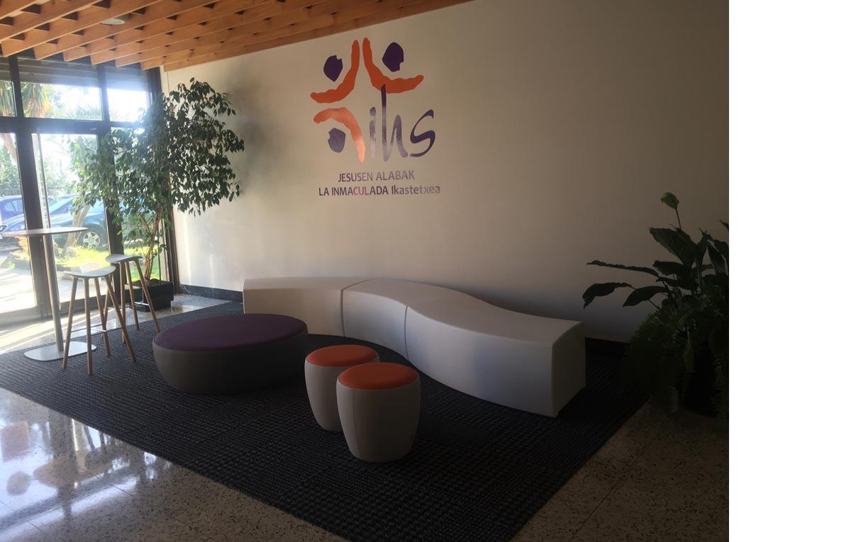 Mobiliario hall Vondom, Sancal, Enea