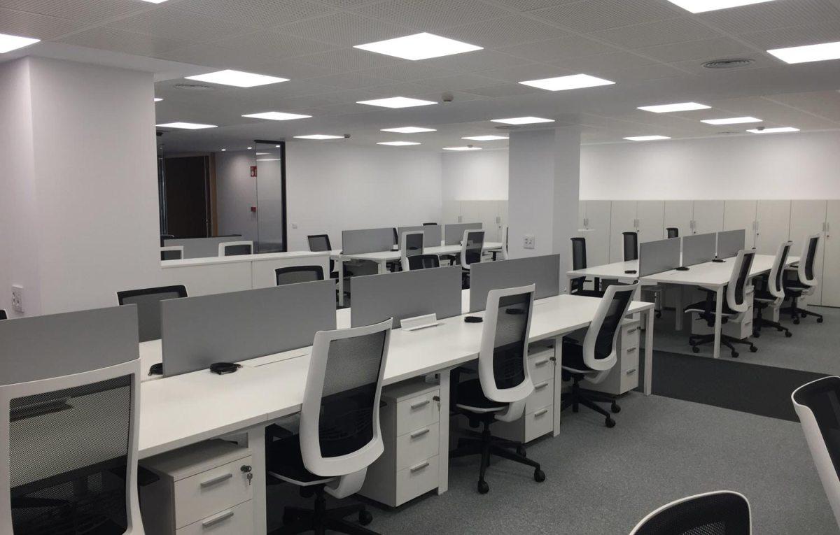 Sillas De Oficina Bilbao.Implika Mobiliario De Oficina En Bilbao Proyectos E Interiorismo