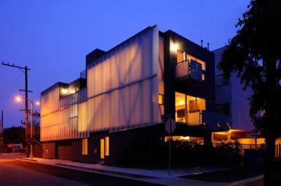 sander-exterior-night