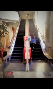 Eskalator menuju Lt 2