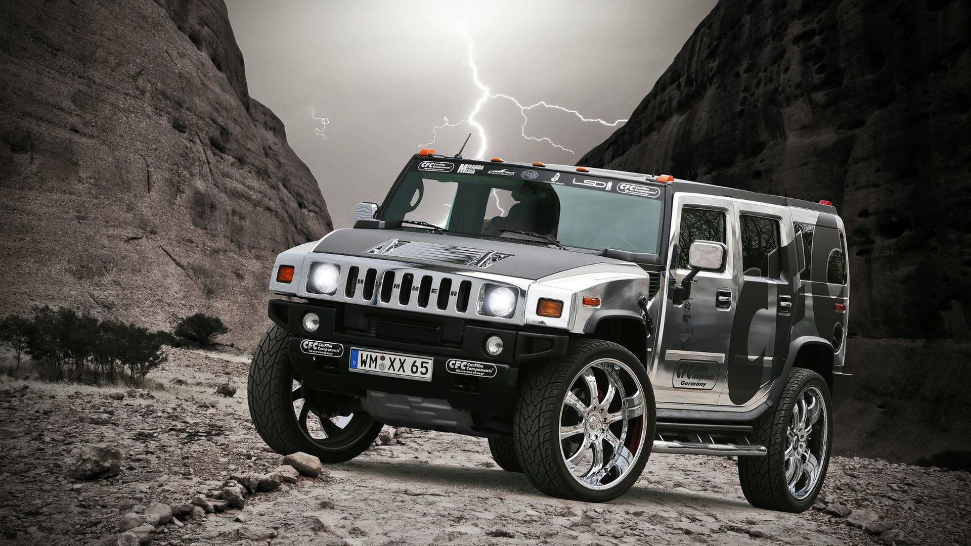 Hummer H2 Gets Chrome Wrap Art or Abomination