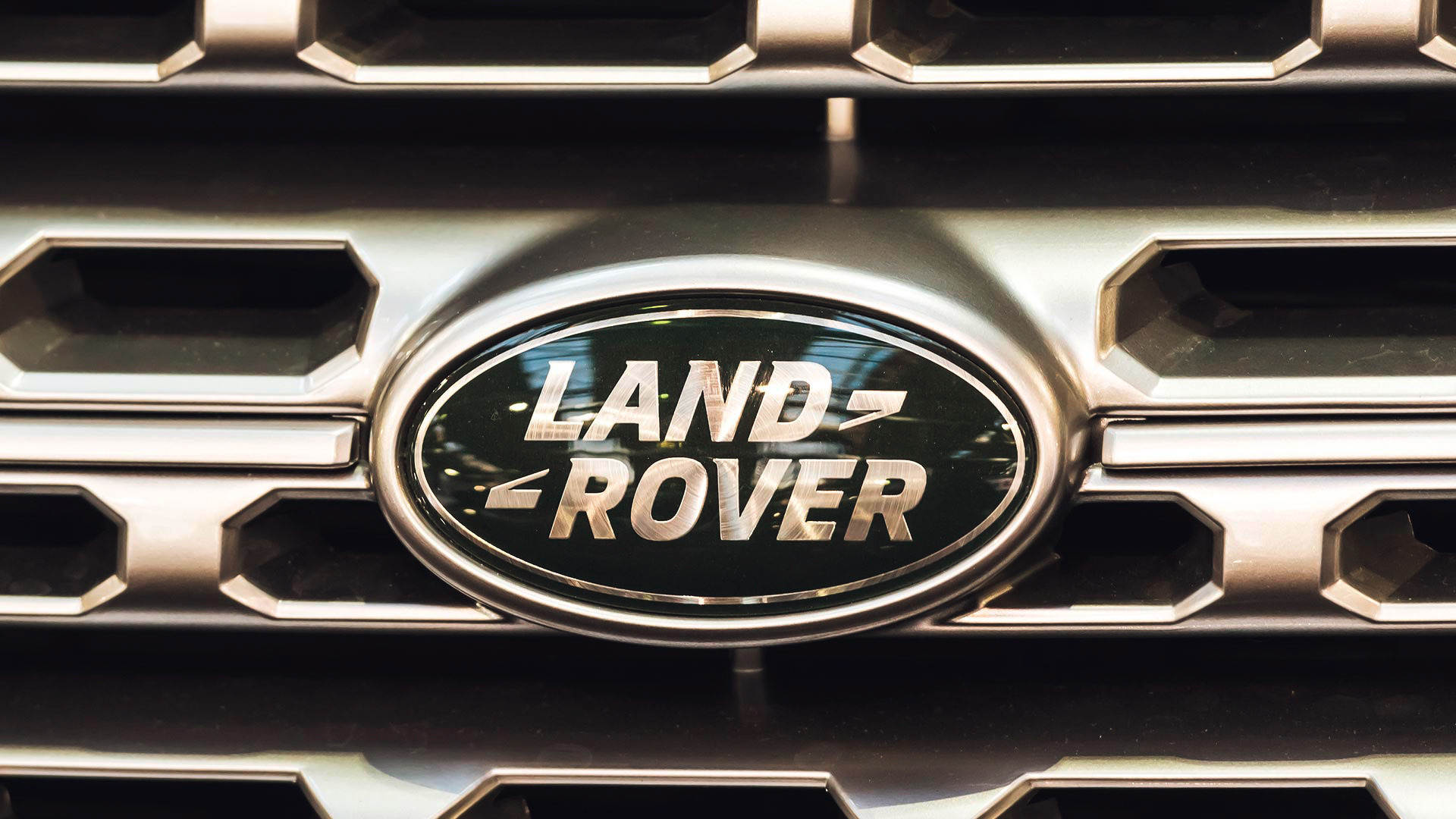 Land Rover News and Reviews