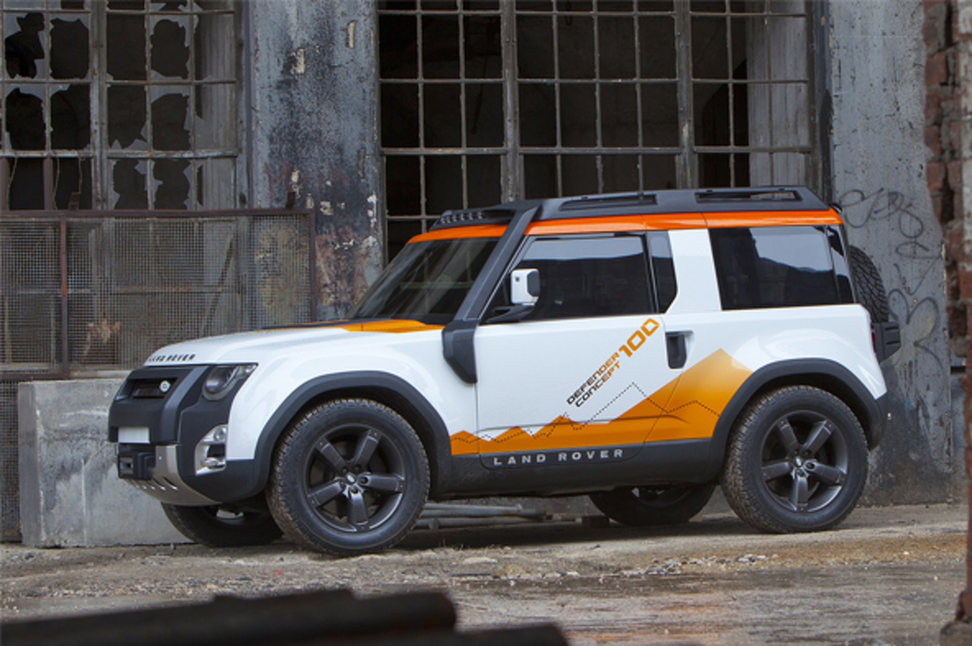 New Land Rover Defender Rumored To Get Pure Electric Version