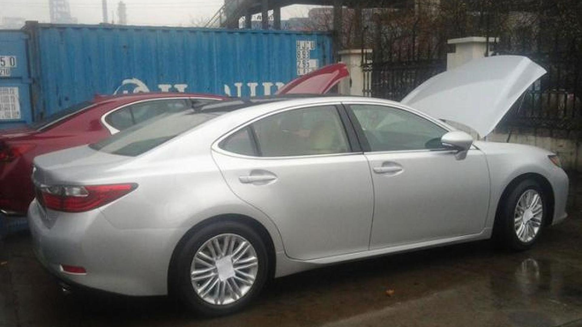 All new 2013 Lexus ES teased for New York but it s too late