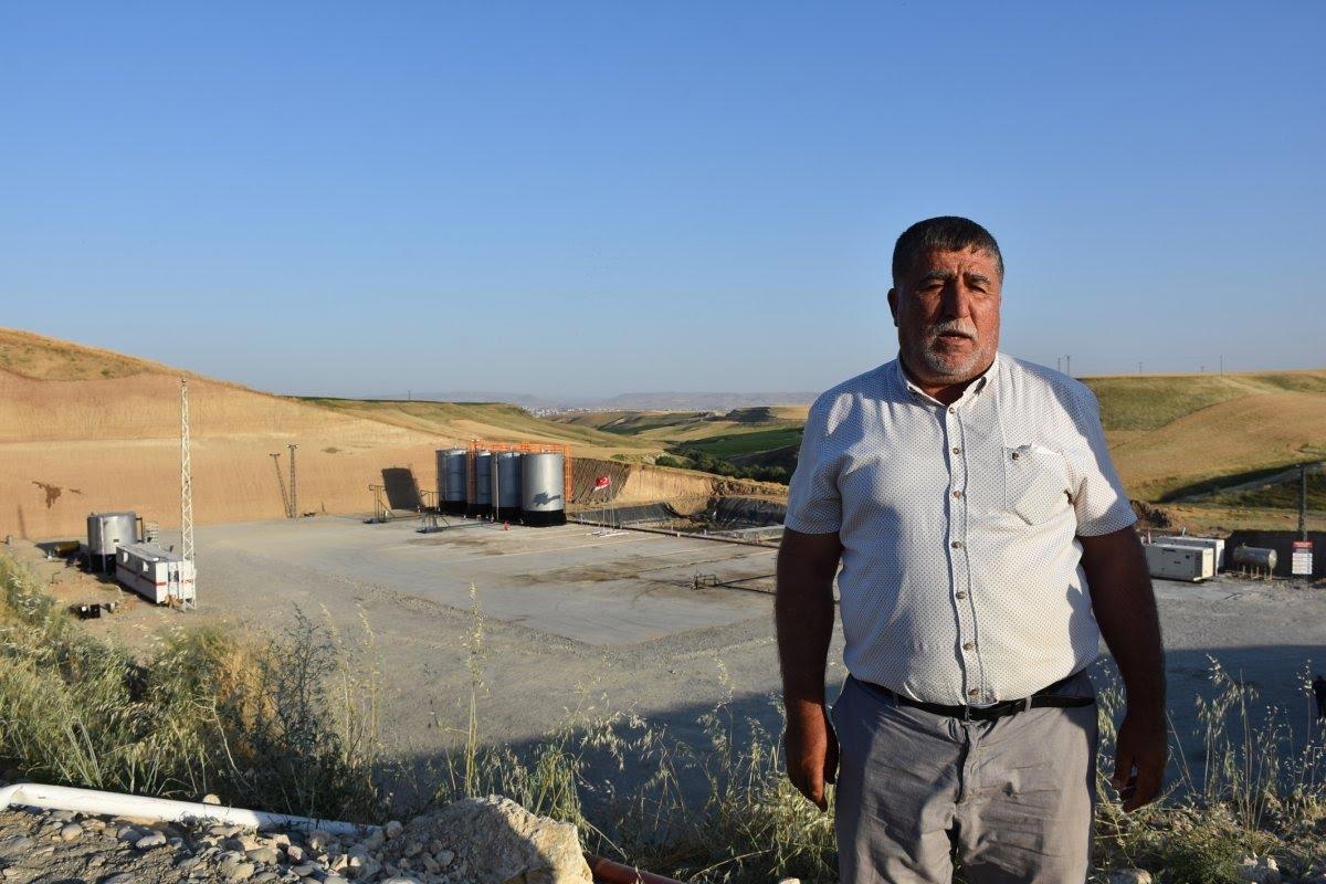 Diyarbakırlıların 'kuyu' sevinci: Arpa ektiğimiz yerden petrol fışkırdı #1