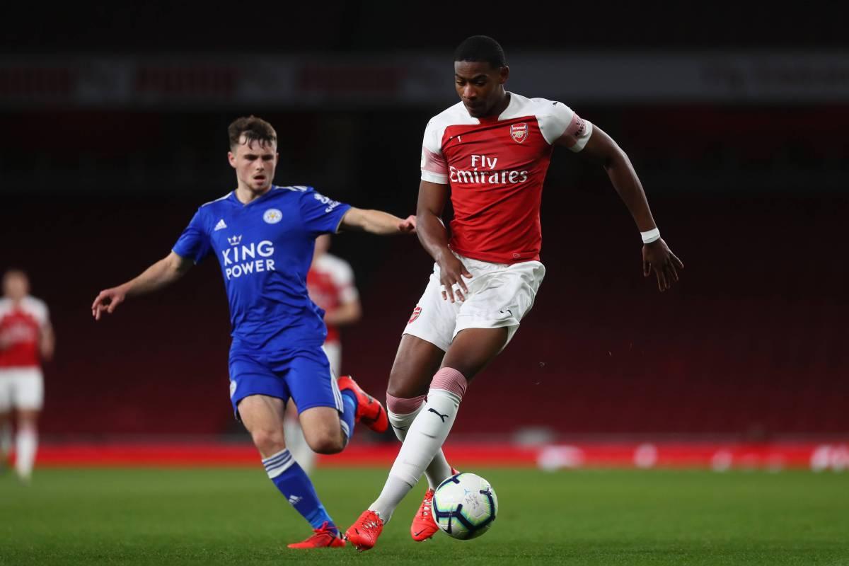 Zech Medley in action for Arsenal Under-23s