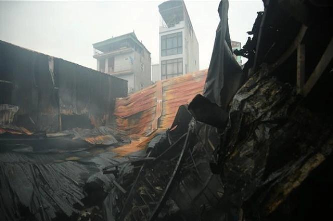 Cháy dữ dội khu nhà xưởng ở Hà Nội, ít nhất 8 người chết và mất tích - 6
