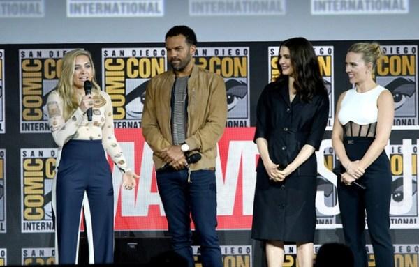 Scarlett Johansson khoe hình xăm khủng - 8