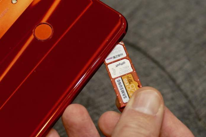 In some cases it is worth removing and reinserting your SIM card.