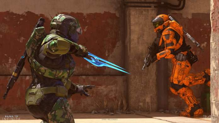 Spartans attack each other in Hello Infinity