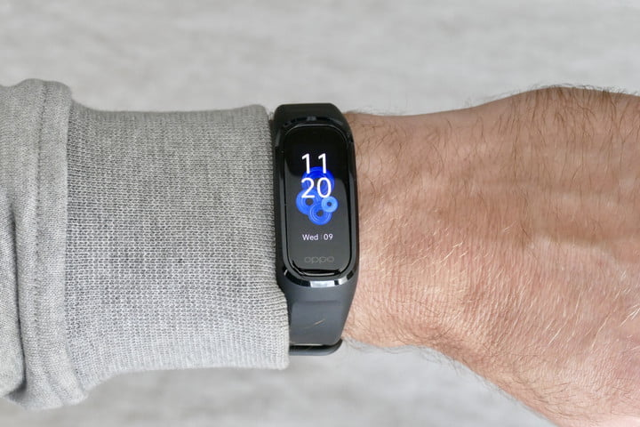 Oppo Band on the wrist