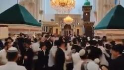 Halil İbrahim Camii'nde Yahudilerin toplu dansı