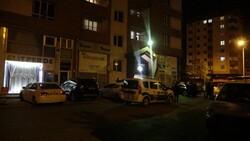 Kayseri'de 22 yaşındaki genç 14. kattan arabanın üstüne düştü