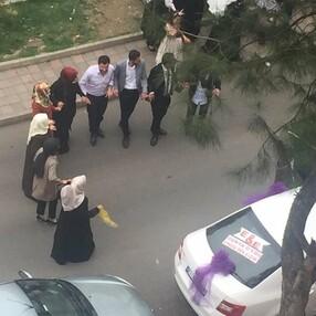 Diyarbakır'da sokak ortasında maskesiz halay