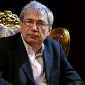 Orhan Pamuk: Korona hükümetin işine geldi