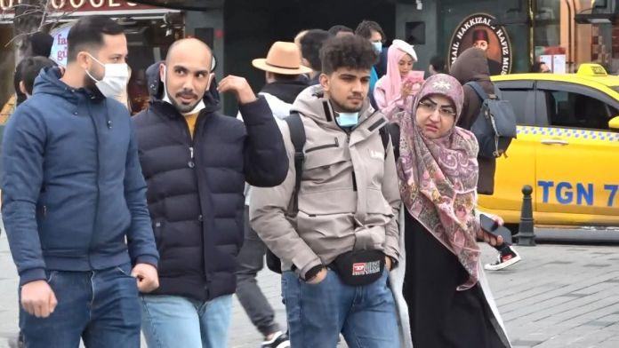 İstiklal Caddesi'nde pazar yoğunluğu #9