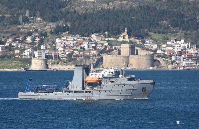 Romanya savaş gemisi Çanakkale Boğazı'ndan geçti #2