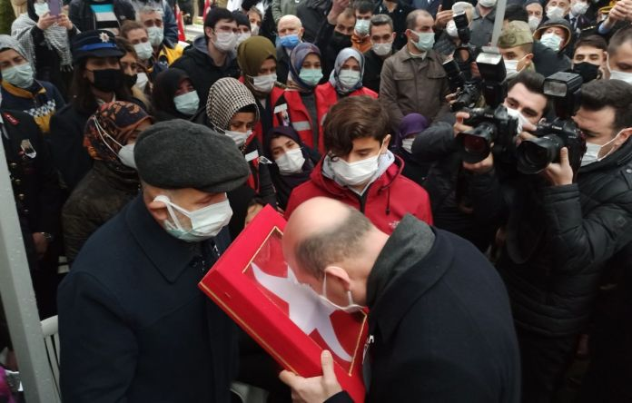 Süleyman Soylu Bursa'da şehit cenazesine katıldı #3
