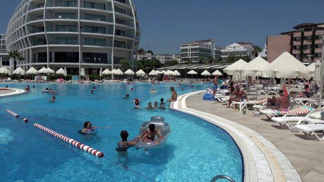 Türkiye ye seyahat yasağının kalkması sonrası İngiliz turist sayısında rekor artış #4