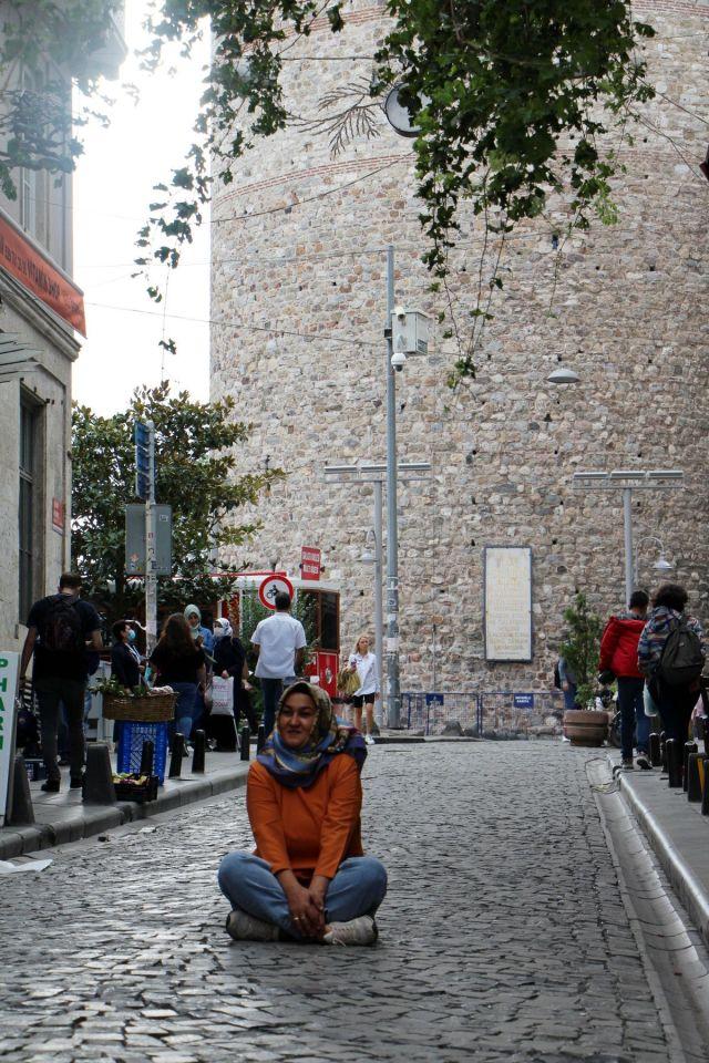 Galata Kulesi önündeki tepki çeken KGYS direği kaldırılıyor #4