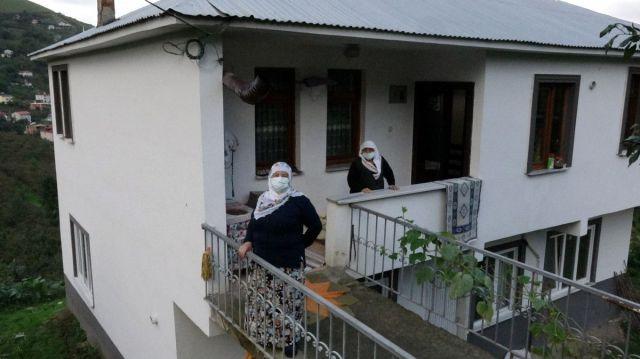 Akçaabat ta koronavirüs ü evde atlatan yaşlı kadın  herkes aşısını olsun  dedi #8
