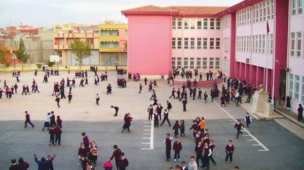 MEB başarı grafiği düşük olan okulları inceleyecek