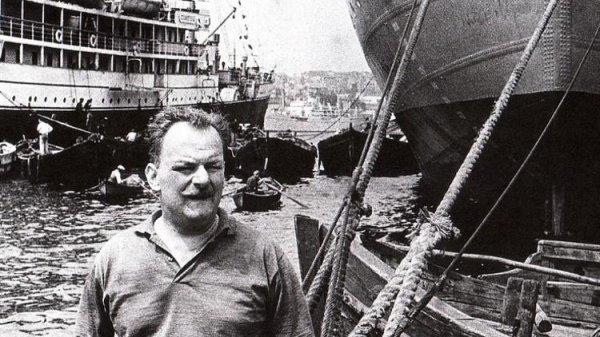 Usta şair Melih Cevdet Anday, anılıyor