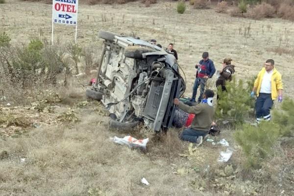 Uşak'ta trafik kazası; 6 yaralı