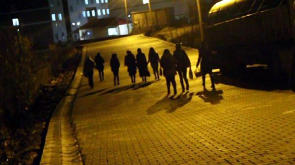 Bingöl'de ikinci öğretim öğrencilerinden ulaşıma tepki