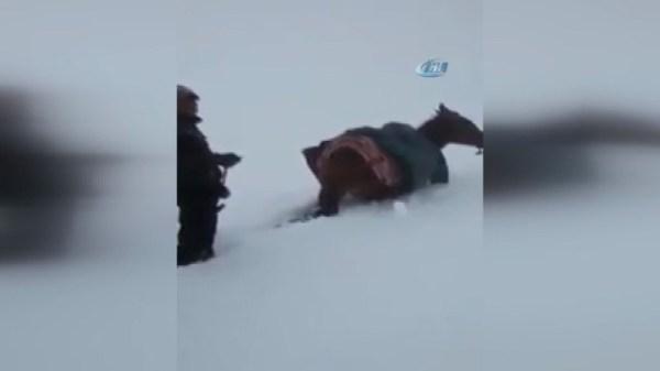 Fas'ta son 58 yılın en yoğun kar yağışı yaşanıyor