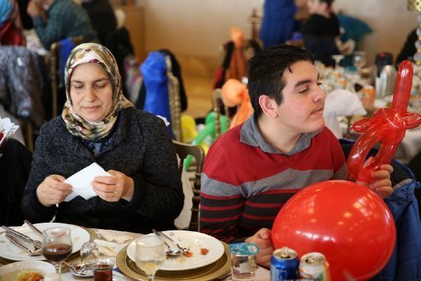 Başkan Mevlüt Uysal, engelliler ile yemekte buluştu
