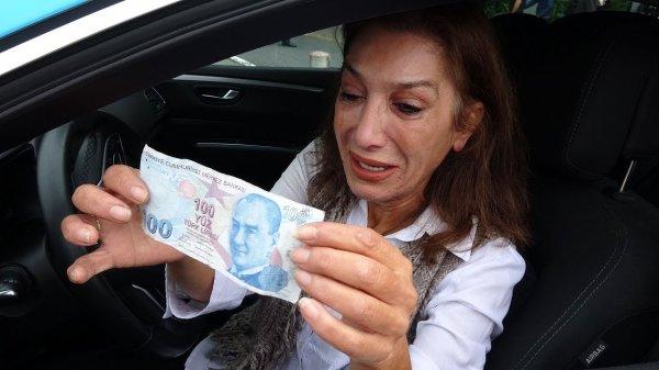 Turistlerin dolandırdığı taksici kadın ağladı