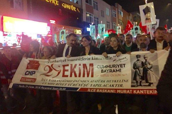 Canan Kaftancıoğlu Cumhuriyet Yürüşü'nde