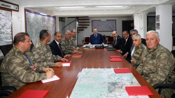 Cumhurbaşkanı Erdoğan'dan sınır komutanlığına ziyaret