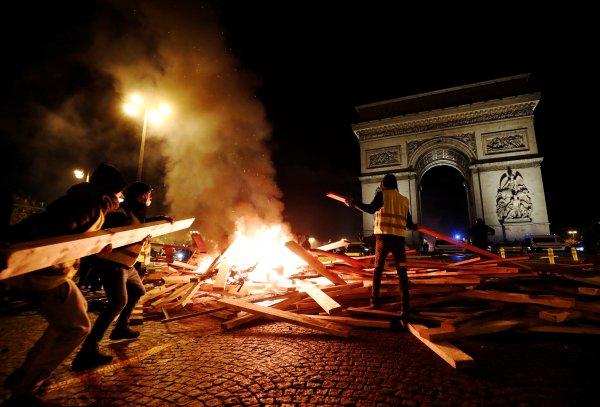 Fransa'da eylemcilere asker müdahale edecek