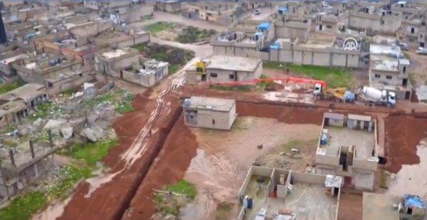 Ayn El Arab'daki tünel ve hendekler havadan görüntülendi