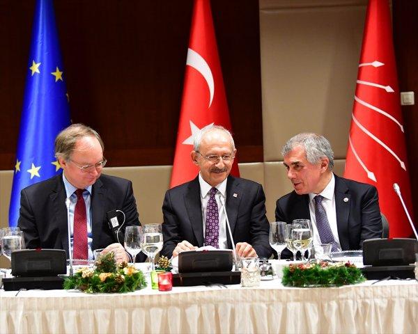 Kılıçdaroğlu büyükelçilerin Noel'ini kutladı