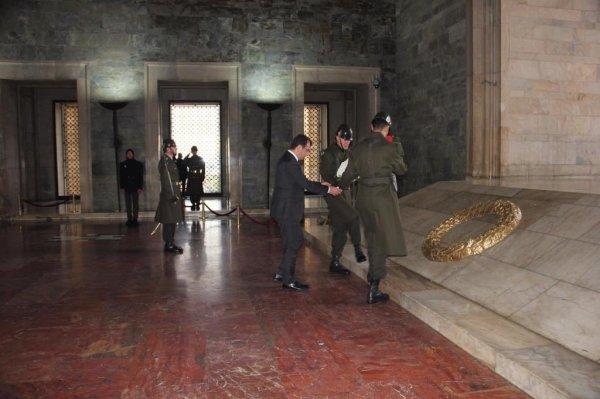 Ekrem İmamoğlu, Anıtkabir'i ziyaret etti