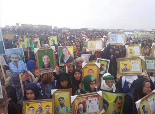PKK ABD'nin bölgeden çekilmesini protesto ediyor