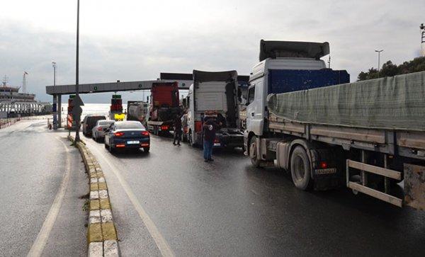 Osmangazi Köprüsü'ne zam geldi, feribota talep arttı