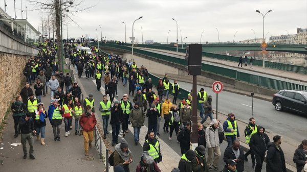 Yellow Vest protests seek to en government,says spokesman